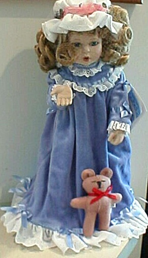 A KISS GOODNIGHT Sandra Kuck Hamilton Collection Ashton-Drake Doll 93 Teddy Bear Girl (Image1)