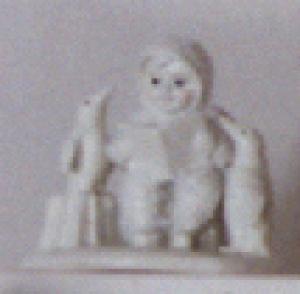 Snowbabies Dept56 #76228 READ ME A STORY Kristi Jensen Pierro Mini D56 Pewter Penguin (Image1)