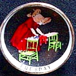 SUNBONNET BABY Mini 1 1/8 in. Porcelain Days Of The Week TUESDAY Limited Edition (Image1)