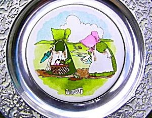 Wilton Columbia Sunbonnet Babies China Pewter Plate Friday Celery Radishes Frog Cows (Image1)