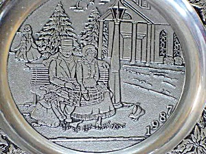 1987 '87 Wilton #10 Currier & Ives Pewter Dated Victorian Family Christmas Bench Bird