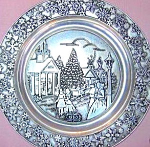 1980 WILTON PEWTER #3 CURRIER & IVES SERIES ANNUAL CHRISTMAS Victorian Street Church (Image1)