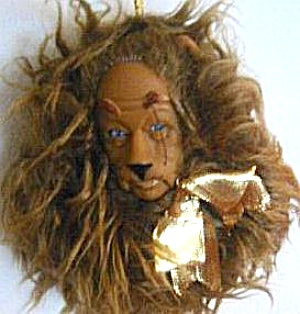 PRESENTS Wizard of Oz Holiday Ornament Cowardly LION Vinyl Cloth1989 WOZ 50th Anniver (Image1)