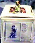 Click to view larger image of LITTLE SWEEPER Olszewski Goebel Hummel Along Kinder Way Kinderway 253-P 253P 372 (Image4)