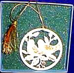 Click to view larger image of 1988 TWO 2 TURTLE DOVES 12 DAYS OF CHRISTMAS ANNUAL FLAT Round China Ivory Gold Trim (Image2)