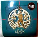 Click here to enlarge image and see more about item LENOX31: 1997 TWELVE 12 DAYS  OF CHRISTMAS 11 Pipers Piping Round Ivory Gold