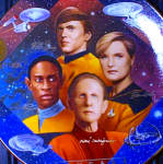 Click to view larger image of SECURITY OF STAR TREK® 30 Thirty YEARS ANNIVERSARY HAMILTON COLLECTION - TREADWAY MIB (Image1)