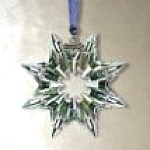 Click here to enlarge image and see more about item SWARO102: Swarovski #622498 2003 Annual Snowflake Christmas Ornament Stella di Natale Weihnacht