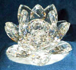 Click here to enlarge image and see more about item SWAR8: MEDIUM WATERLILY Candleholder