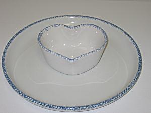 Blue Hearts Sponge Stoneware Chip & Dip g/w Corelle (Image1)