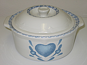 Blue Hearts Spongeware 2 Qt Round Covered Casserole (Image1)