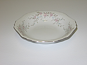 Mikasa Fine China Blossoms Pink 8340 Fruit Dessert Bowl