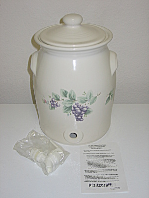 Pfaltzgraff Grapevine Beverage Crock 1gal Dispenser New