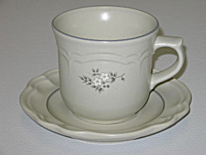 Pfaltzgraff Heirloom Cup & Saucer Set