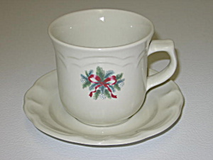 Pfaltzgraff Red Ribbons Christmas Cup & Saucer Set