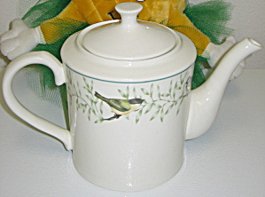 Thomson Pottery China Border of Birds & Leaves Teapot (Image1)