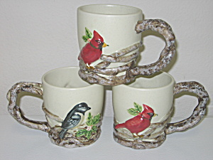 Christmas Cardinal Winter Mugs Branch Handle Embossed (Image1)