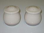 Click here to enlarge image and see more about item CDPA06: Pfaltzgraff Aura Salt & Pepper Shakers