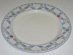 Click here to enlarge image and see more about item CDPCM01: Pfaltzgraff Country Market Dinner Plate