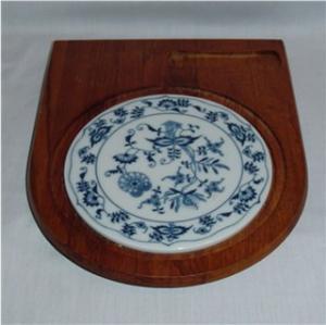 Teakwood & Ceramic Cutting Board (Image1)