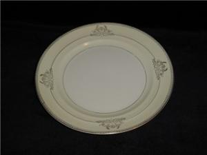 Crown Potteries Dinner Plate (Image1)