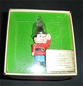 Hallmark salute Ornament (Image1)