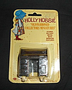Holly Hobbie Miniature (Image1)