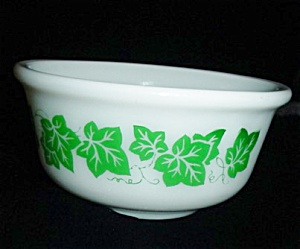 Hazel Atlas Ivy Pattern Bowl