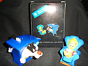 Warner Bros. Salt and Pepper Shaker Set (Image1)