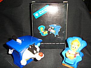 Warner Bros. Salt and Pepper Shaker Set (Image1)
