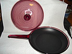 Corning Vision Cranberry Skillet (Image1)