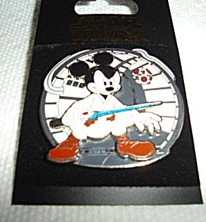 Disney Star Wars Mickey as Jedi Luke Pin (Image1)