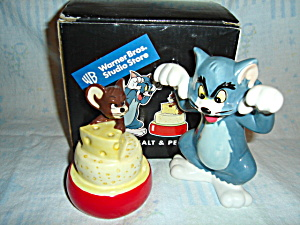 Tom and Jerry Salt and Pepper Set (Image1)