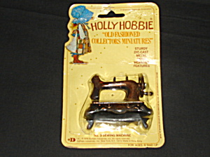 Holly Hobbie Die Cast Miniature (Image1)