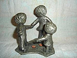 Hudson Walli Pewter Figurine (Image1)
