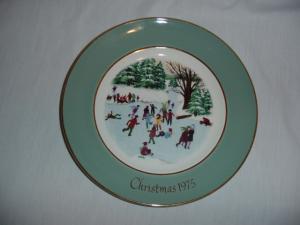 Avon 1975 Christmas Plate (Image1)