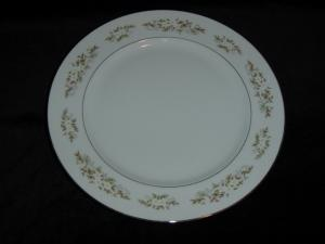 International Silver Spring Time Dinner Plate (Image1)