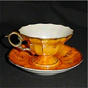 Vintage Gold Luster Cup and Saucer Set (Image1)