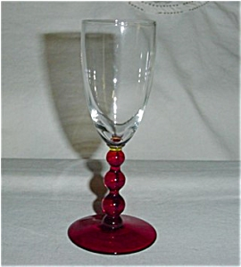 Ruby Red Stemmed Wine Glass (Image1)