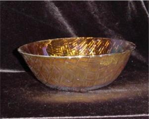 Carnival Glass Bowl (Image1)