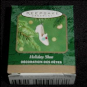 Holiday Shoe Mini Hallmark Ornament (Image1)