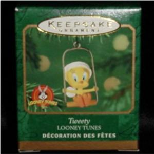 Tweety Miniature Hallmark Ornament (Image1)