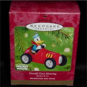 Donald Goes Motoring Hallmark Ornament (Image1)