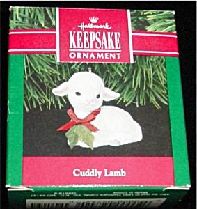Cuddly Lamb Hallmark Ornament (Image1)