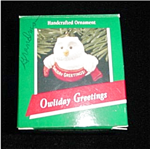Owliday Greetings Hallmark Ornament (Image1)