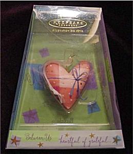 2002 Heartful of Grateful Hallmark Ornament (Image1)