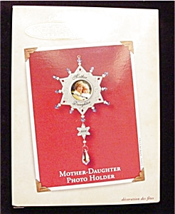 2002 Mother and Daughter Hallmark Ornament (Image1)