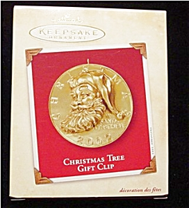 2002 Christmas Tree Gift Clip Ornament (Image1)