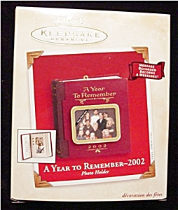 2002 A Year to Remember Hallmark Ornament (Image1)
