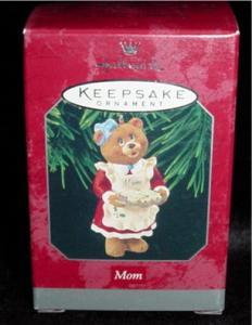 "Hallmark Ornament ""Mom"" Bear (Image1)"